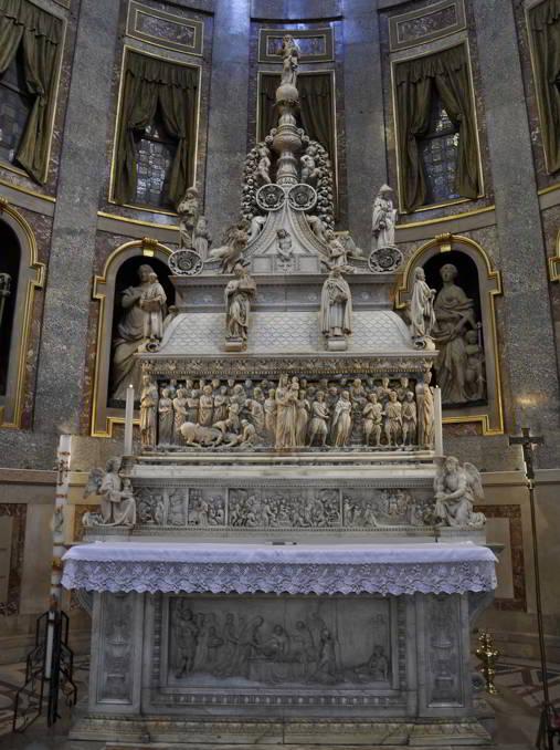 Bologna-basilica-di-San-Domenico