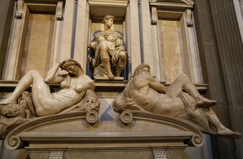 Sagrestia-Nuova-la-Notte-e-il-Giorno-Michelangelo