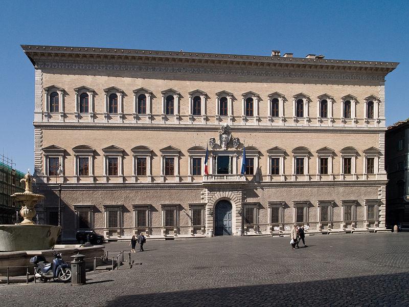 Palazzo-Farnese-Roma-facciata