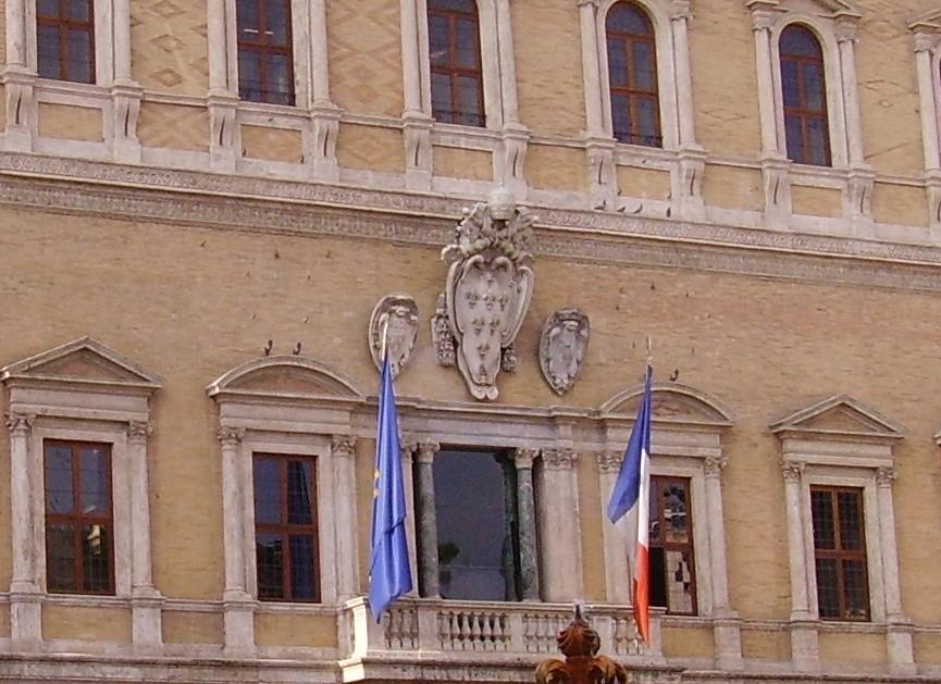 Palazzo-Farnese-Roma-facciata-dettagli