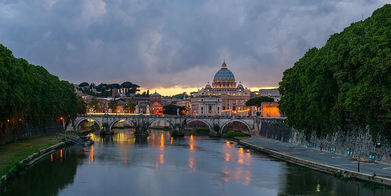 Ponte-Sant-Angelo-Roma-e-basilica-San-Pietro