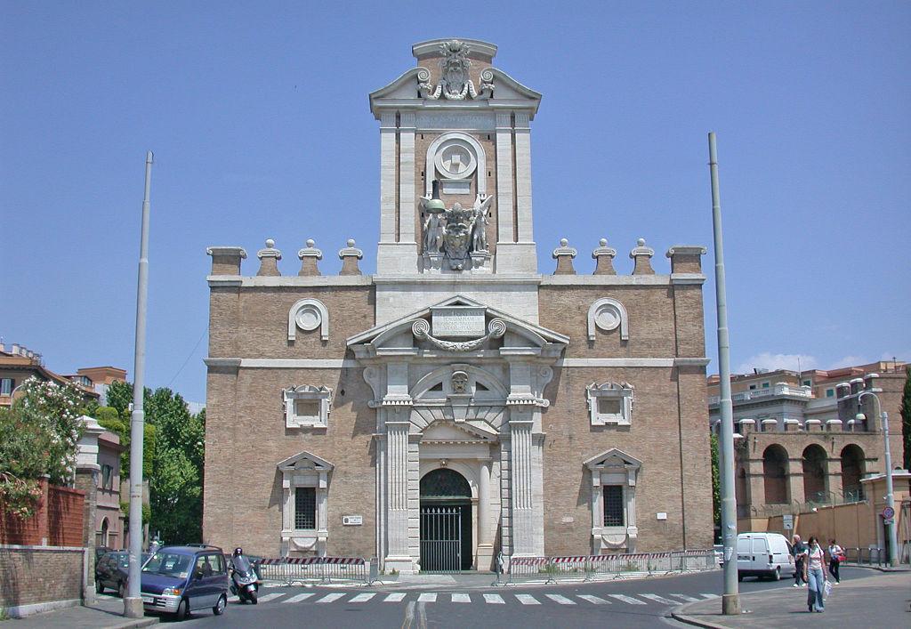 Porta-Pia-a-Roma-facciata-interna