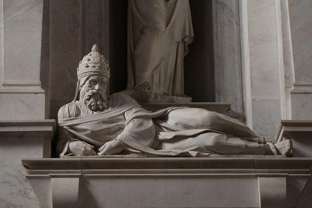 Giulio-II-disteso-tomba-di-Giulio-II-Michelangelo